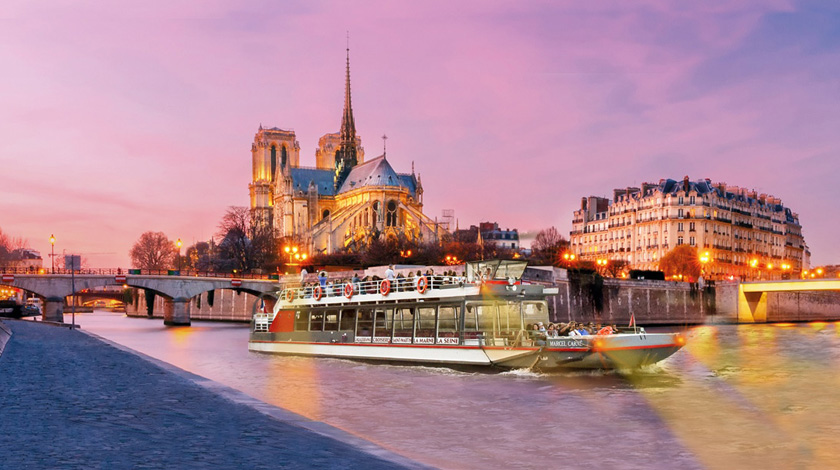 Cruise aboard a la Parisienne - Notre-Dame Cathedral